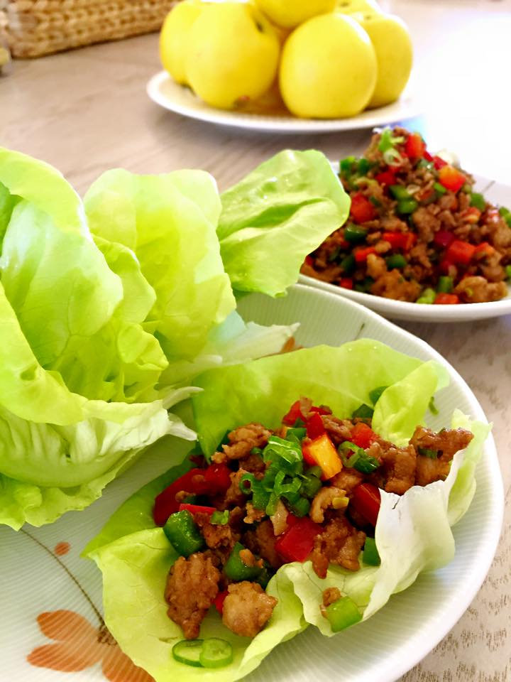 Chicken Lettuce Wrap with Green & Red Bell Peppers