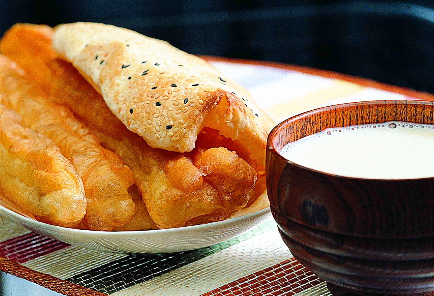 How to make youtiao chinese doughnuts the fried breadsticks recipe it literally means oil fried ghost and refers to two despicable figures from ancient china forumfinder Choice Image